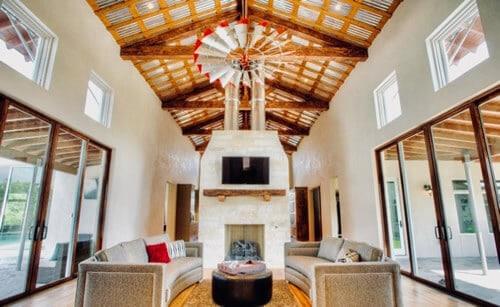 sujetar ventilador de techo en madera
