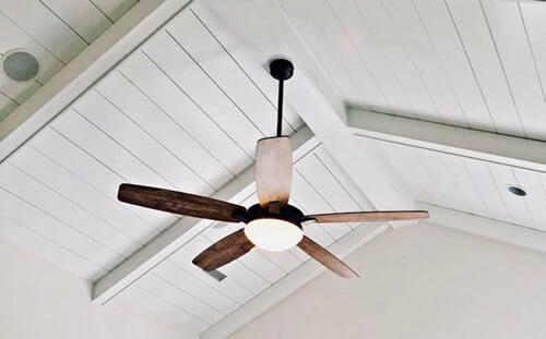 sujetar ventilador de techo suspendido